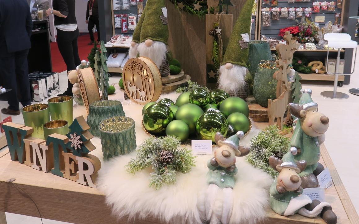 Weihnachtsdeko Inspiration.Niedliche Weihnachtsdeko Für Die Ladenfläche Ixtenso Magazin Für